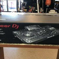 Fs: Pioneer DDJ-RZX Professional 4-channel controller