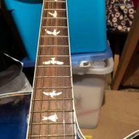 Stunning Lindo Guitar.