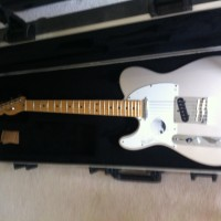 LEFT HANDED ELECTRIC GUITARS FOR SALE.