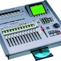 ROLAND VS2400. 24 TRACK DIGITAL RECORDING STUDIO