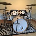 Mapex Meridian Drum Kit - Maple 5 piece - Arctic White - with stands and cymbals.