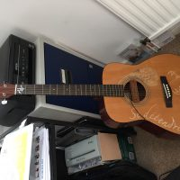 Yamaha FG - 402 electric acoustic guitar with removable pickup